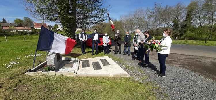 Céremonies du 8 Mai au monument de Lacarrière